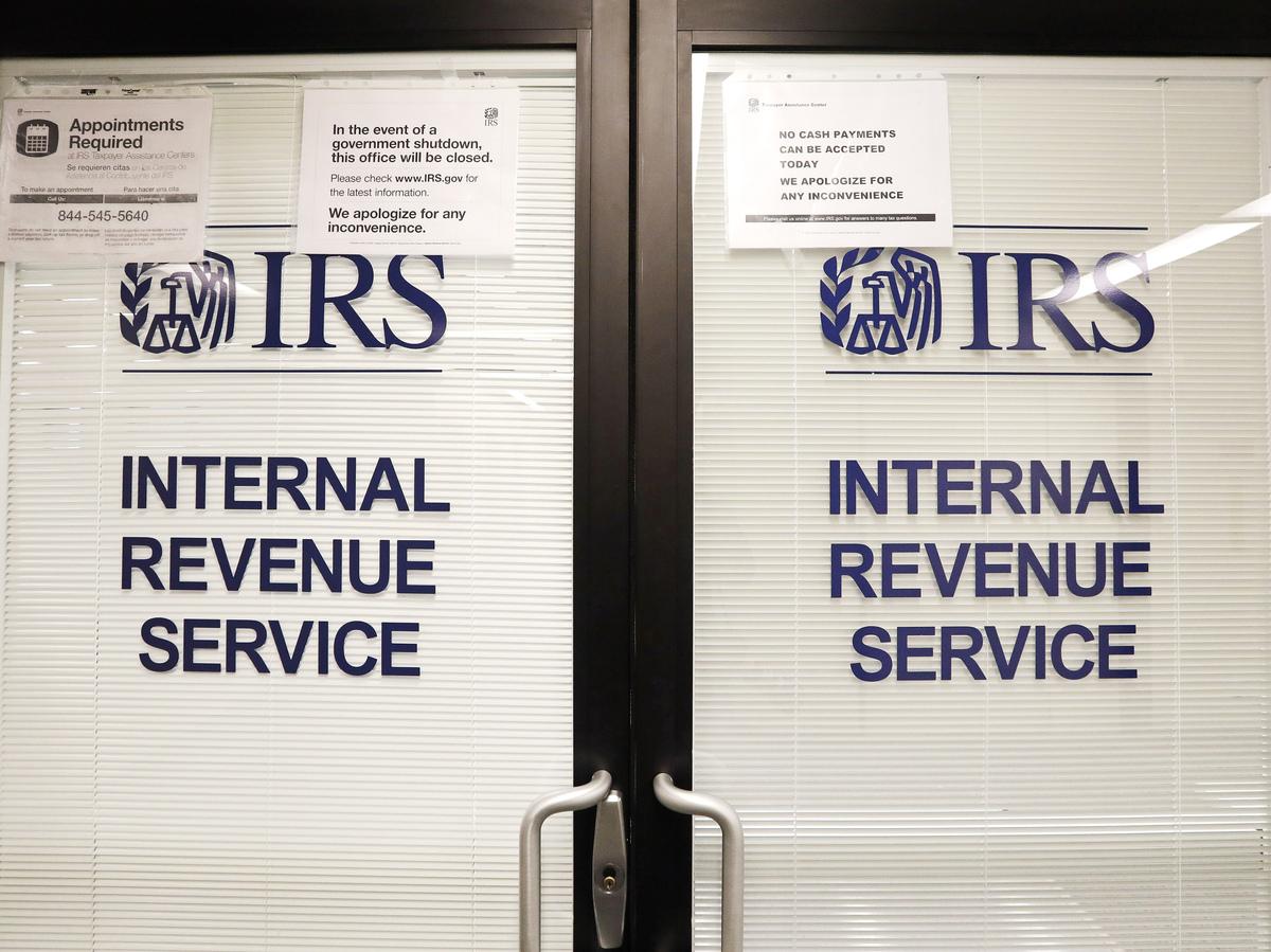 Atraso no imposto sobre a folha de pagamento pode significar problemas para trabalhadores, empregadores e previdência social: NPR 3