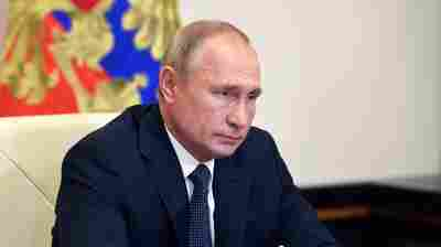 Skepticism Greets Putin's Announcement Of Russian Coronavirus Vaccine