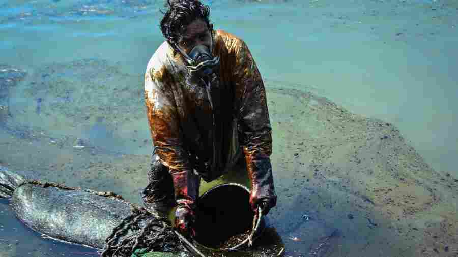 The Oil Spill At Mauritius Is A Disaster. And It Could Soon Get Worse