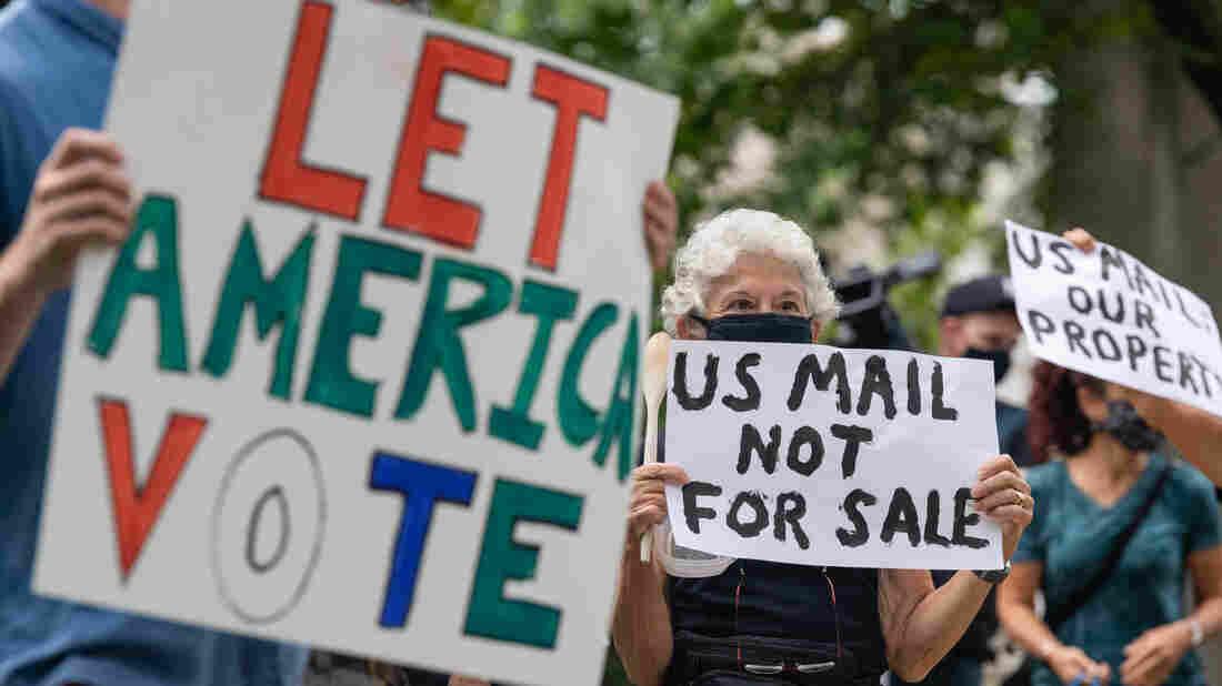 Washington Democrats support probe of postal service