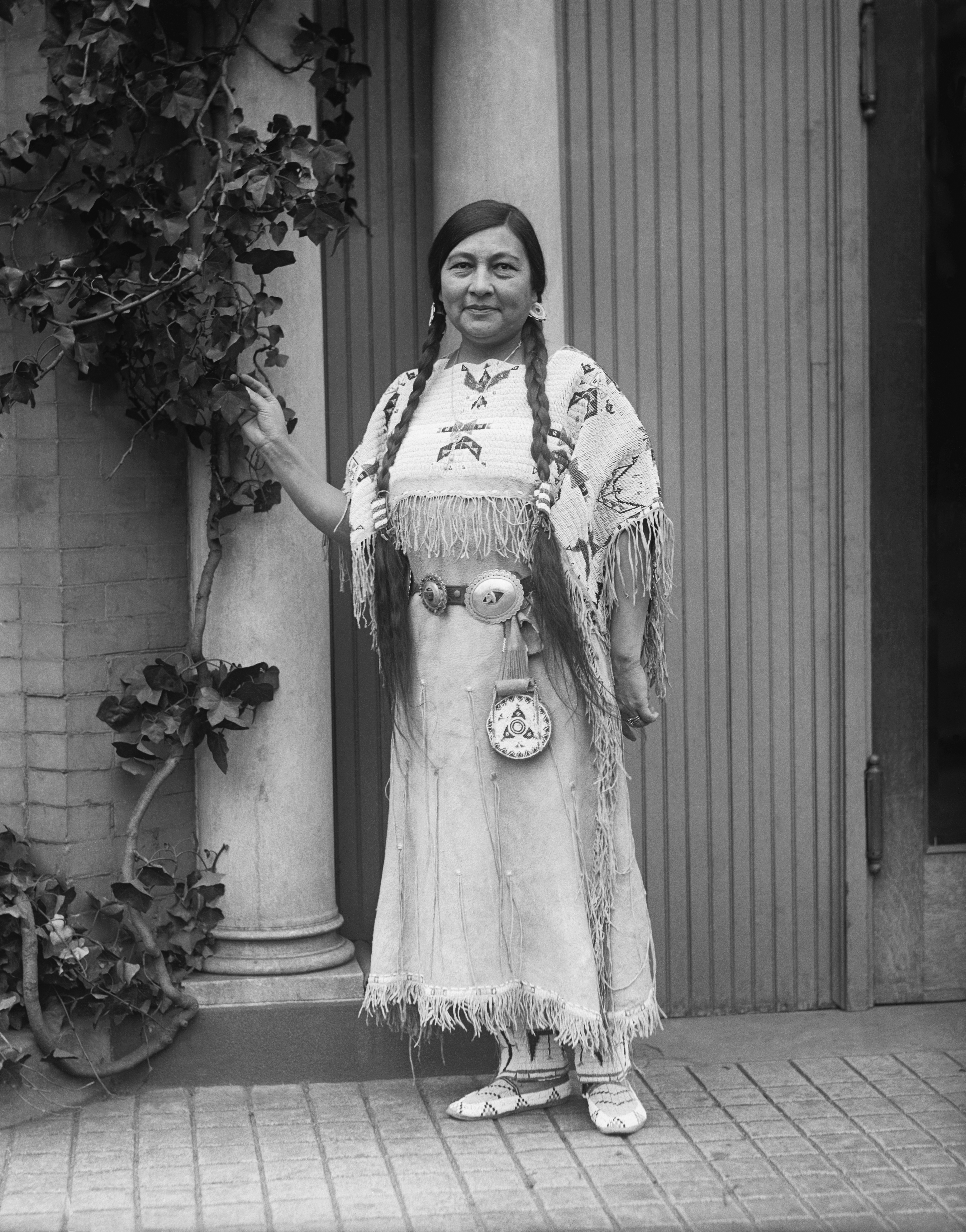 Voting rights activist Gertrude Simmons Bonnin (Zitkala-Sa) of the Yankton Sioux Nation was prominent in the women's suffrage community. (Bettmann Archive/Getty Images)