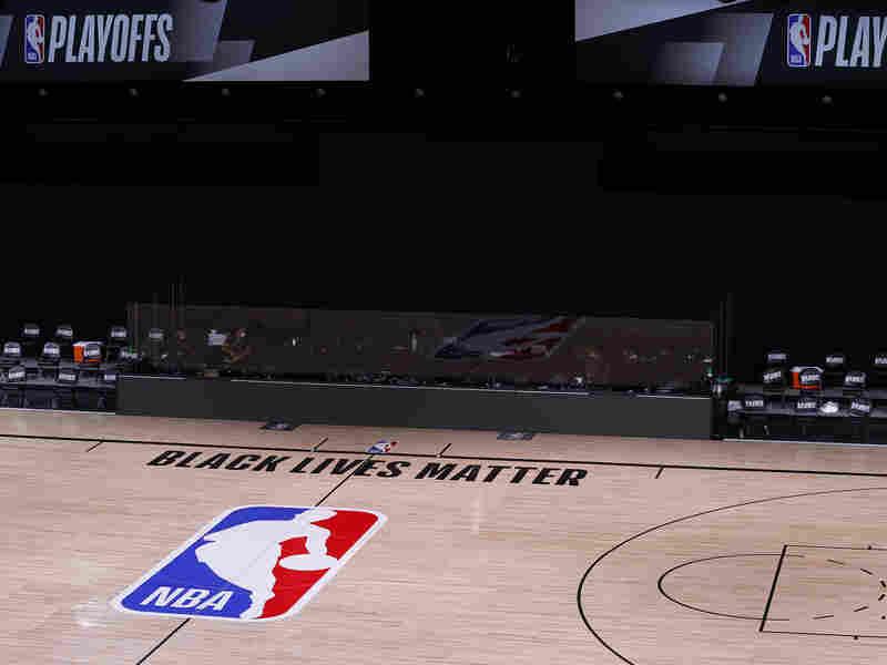Barack Obama reportedly helped convince LeBron James to resume National Basketball Association playoffs