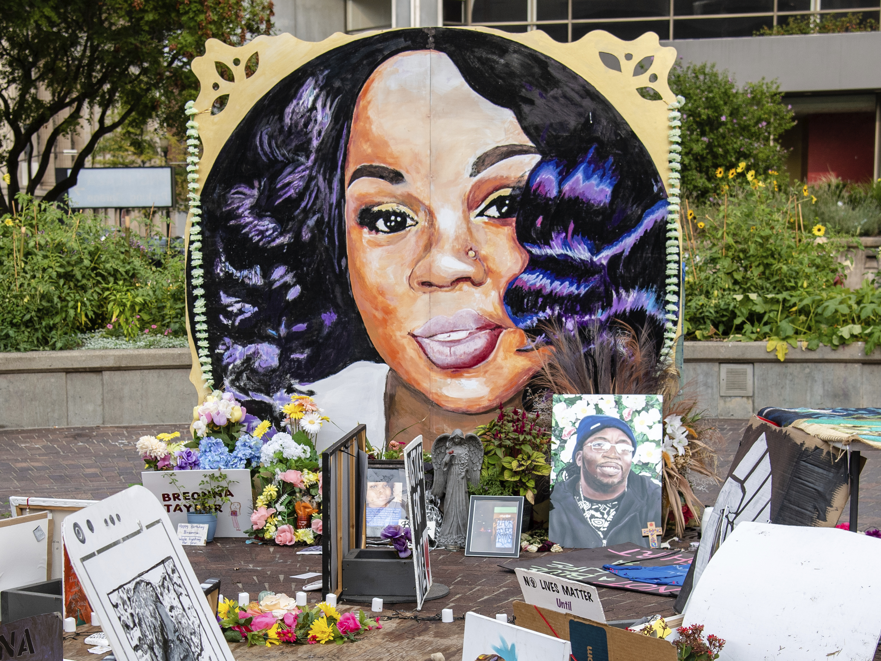Plea Deal Required Drug Suspect To Name Breonna Taylor A Co Defendant Npr