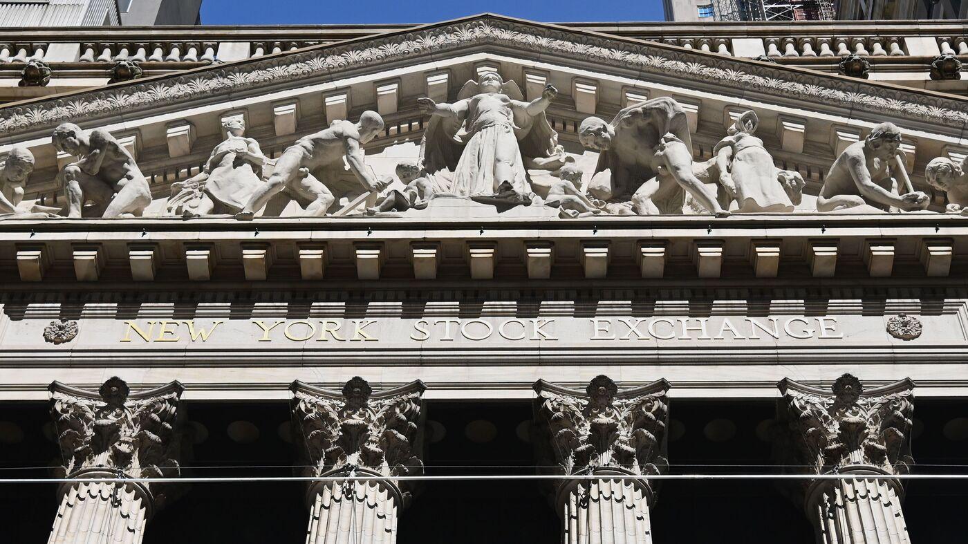 Tech Stumble Sends Stock Market Sharply Lower : Coronavirus Live Updates – NPR