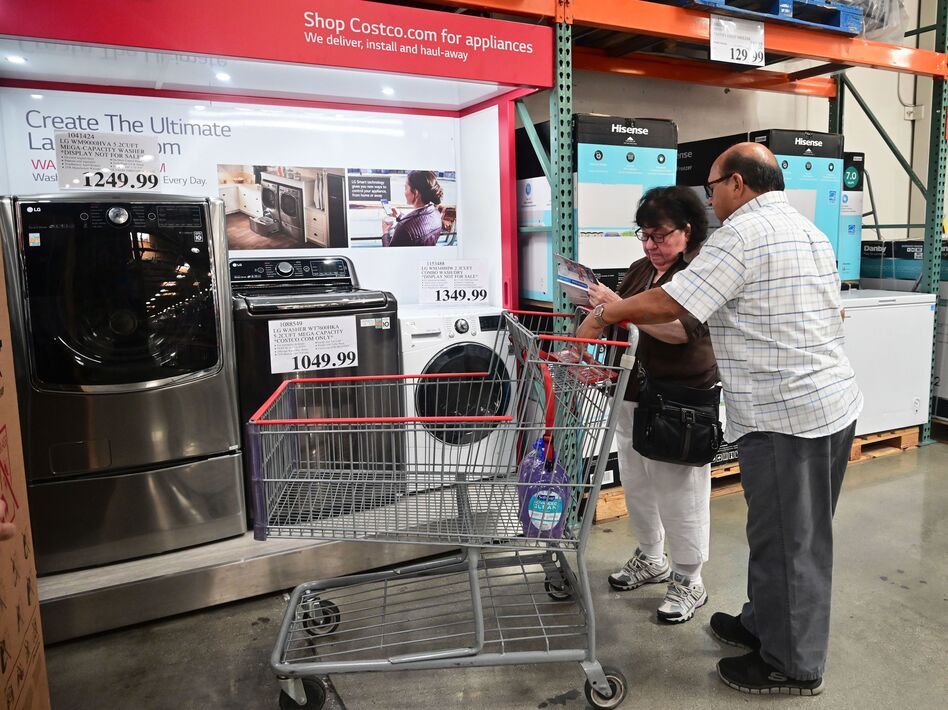 Median household income rose sharply last year, while poverty declined to 10.5% — the lowest since records began in 1959, according to the Census Bureau. (Frederic J. Brown/AFP via Getty Images)