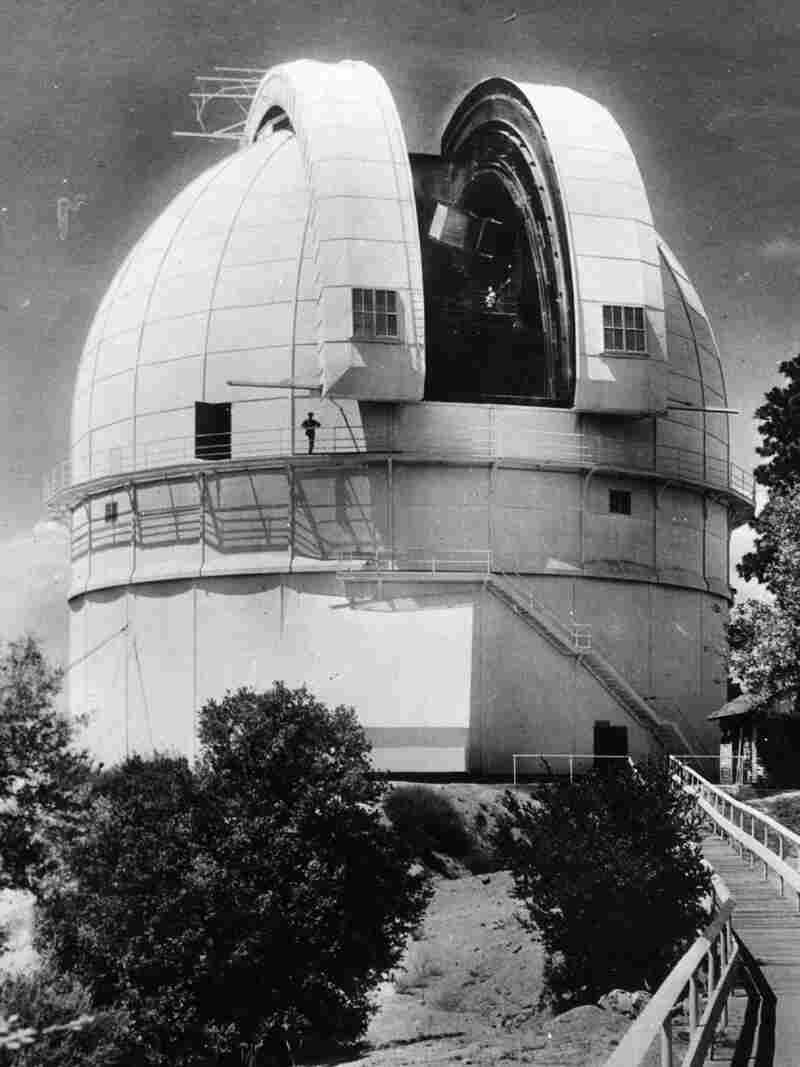 Westlake Legal Group gettyimages-3304542_vert-58fb9860916aff3a2e10a04f2fb5722dc8f7022b-s800-c15 Firefighters Battle To Save LA's Historic Mount Wilson Observatory