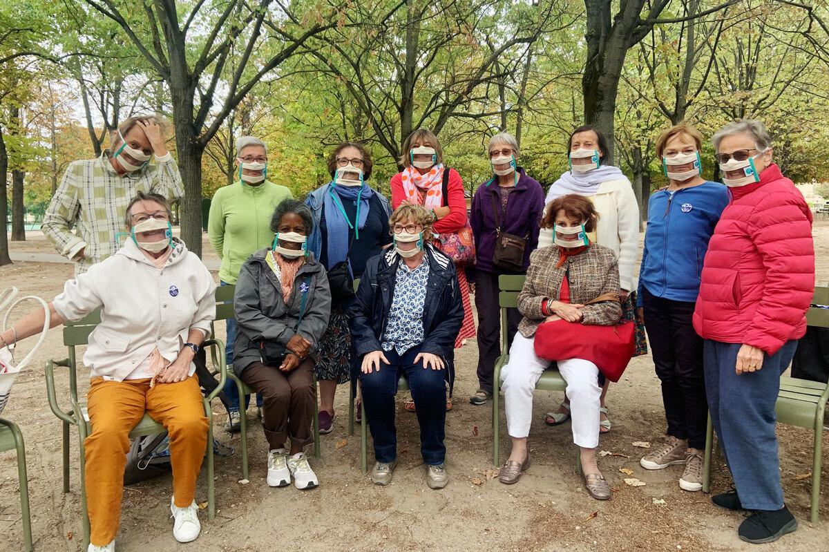 A França incentiva o uso de máscaras transparentes para ajudar pessoas com perda auditiva: NPR 3