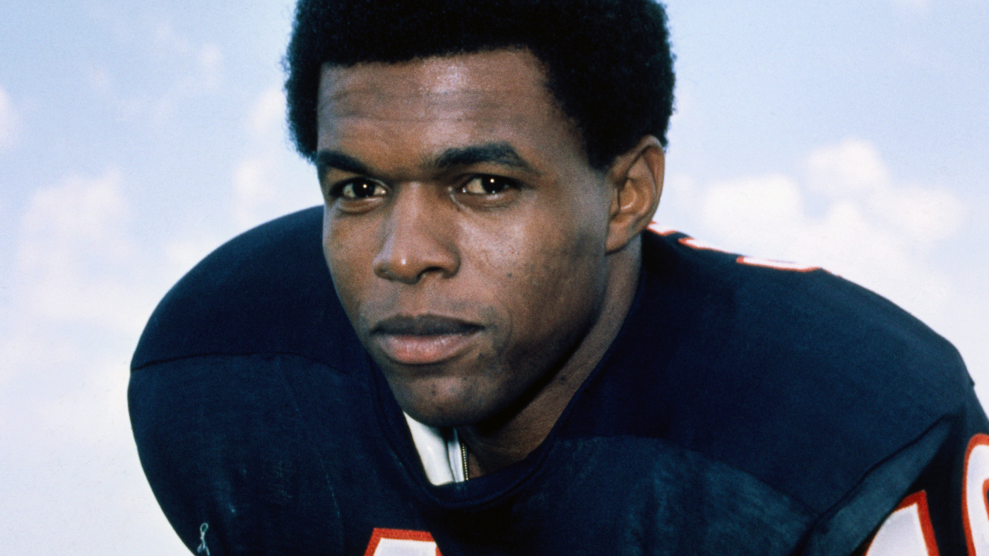 Gale Sayers Who Wowed NFL Fans And Inspired A Beloved TV Movie Dies At 77 – NPR
