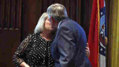 Missouri Governor And Wife To Host Fall Festival Days After COVID Diagnosis