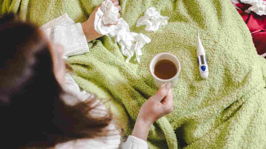 """过敏、感冒、流感和COVID-19:如何做好秋季""""病季""""的准备"""