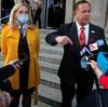 Pareja blanca de St. Louis armada presuntamente acusada por un gran jurado