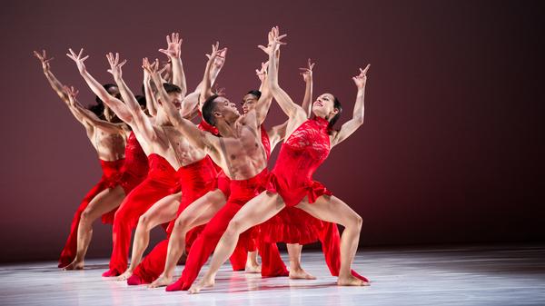 BalletHispánico今年庆祝成立50周年。它由蒂娜·拉米雷斯(Tina Ramirez)于1970年成立。