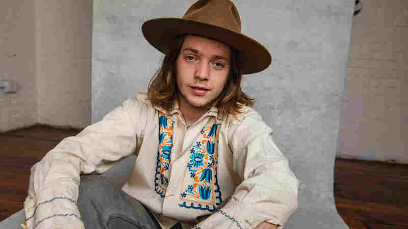 Somewhere Between Bluegrass and Heavy Metal, Billy Strings Discovered His Own Sound