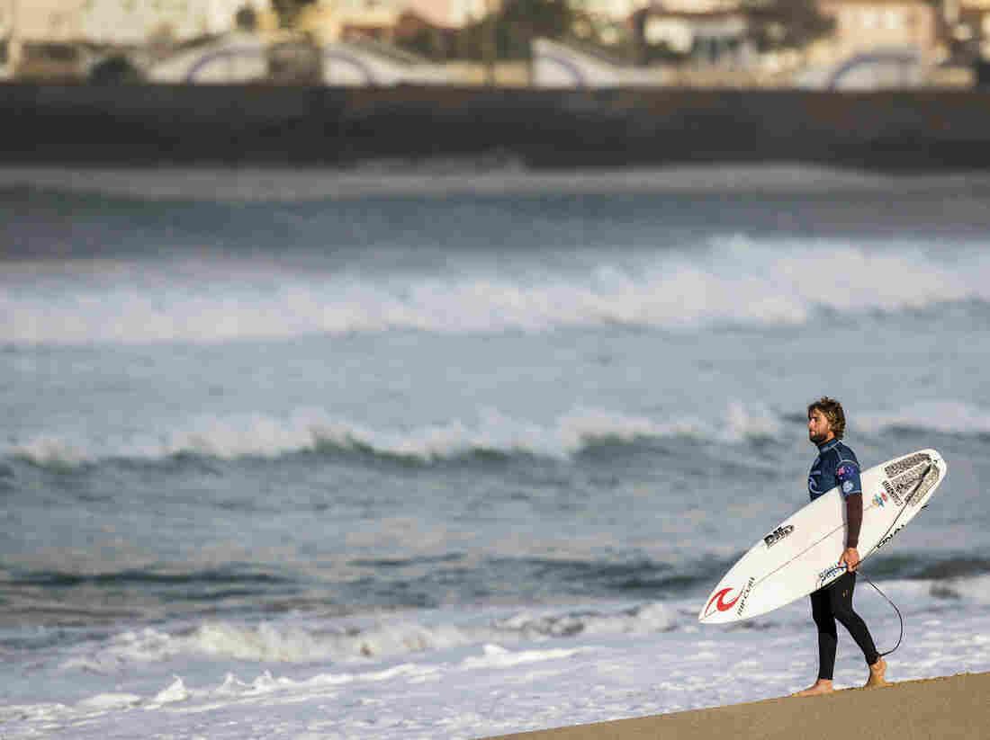 Aussie Pro Surfer Matt Wilkinson Narrowly Escapes Shark
