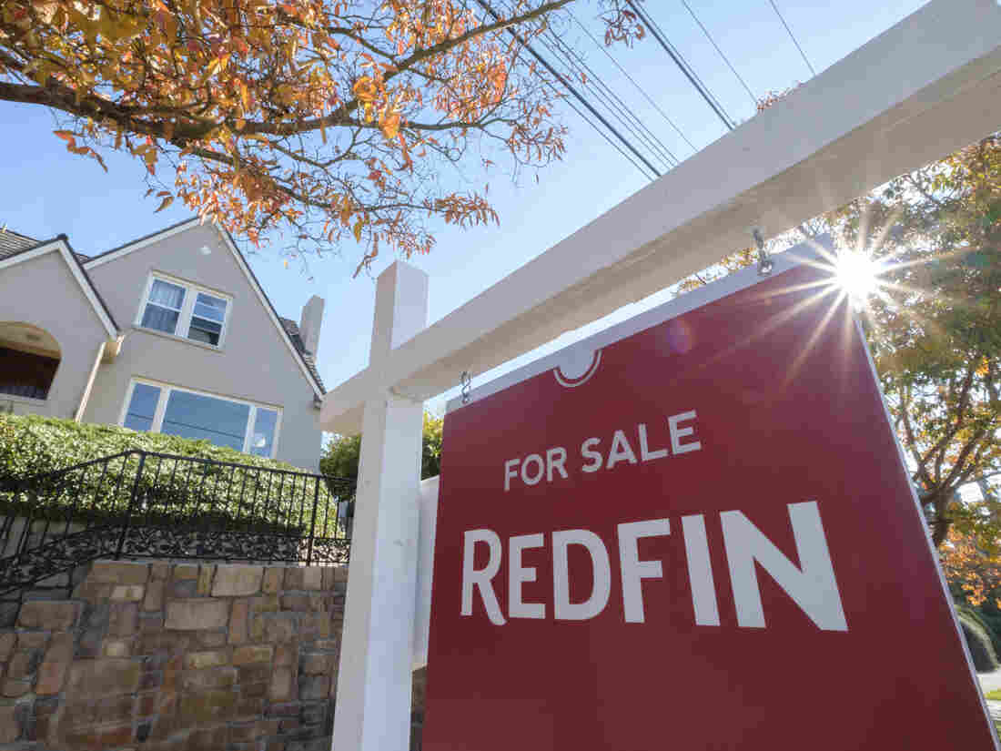 SEATTLE, WA - OCTOBER 31: A Redfin real estate yard sign is pictured in front of a house for sale on October 31, 2017 in Seattle, Washington. (Photo by Stephen Brashear/Getty Images for Redfin)