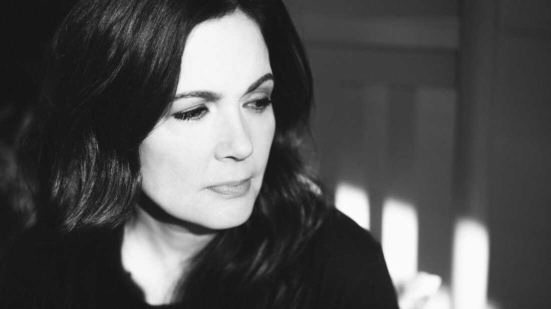 On 'This Close,' Lori McKenna Draws Inspiration From Family