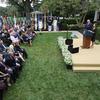 Os muitos e enlouquecedores obstáculos para entrar em contato Rastreando o surto na Casa Branca