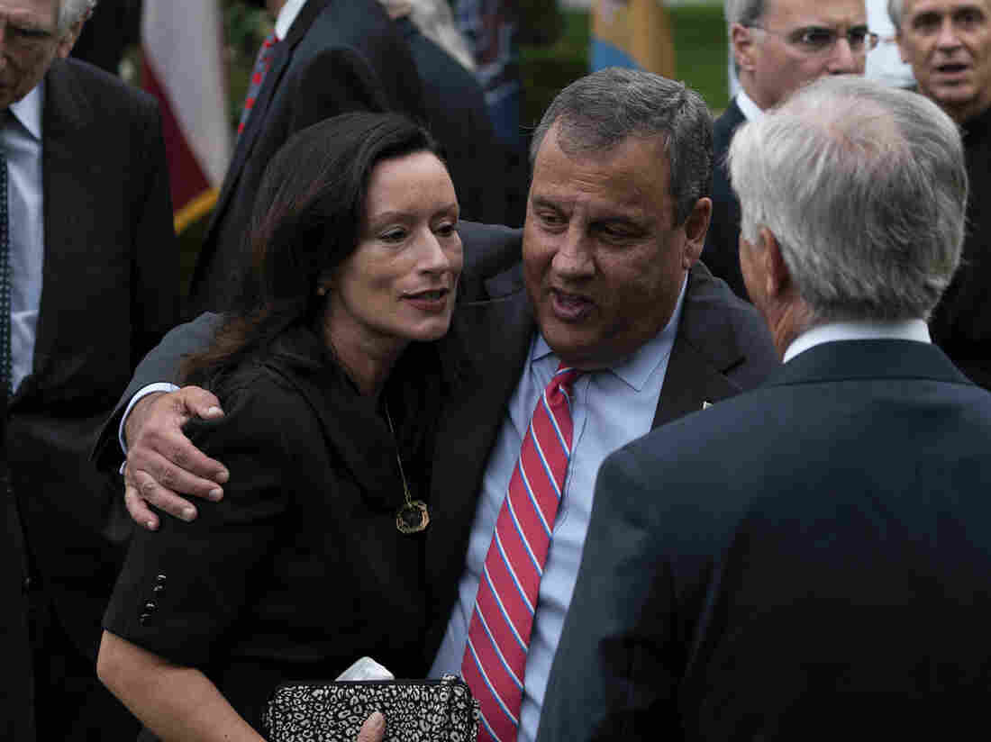 Chris Christie entering second week in hospital for COVID-19