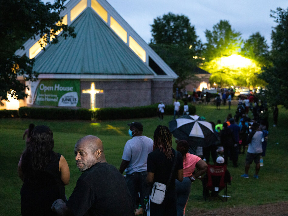 Some voters at Christian City Welcome Center in Union City, Ga., endured a five-hour wait during the state's June primary. (Dustin Chambers/Reuters)