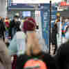 Air Travel High: TSA Screens 1 Million For 1st Time Since March