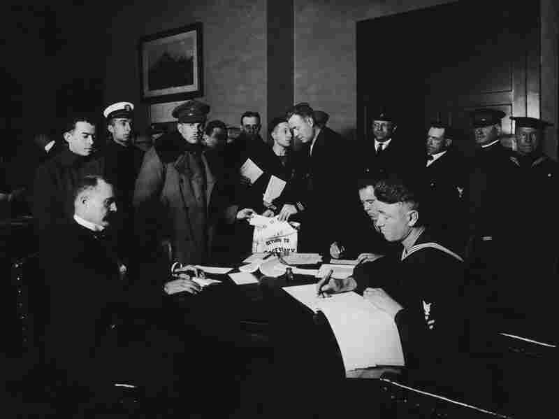 U.S. soldiers and sailors in New York City cast their votes in the General Election, November 5, 1918.