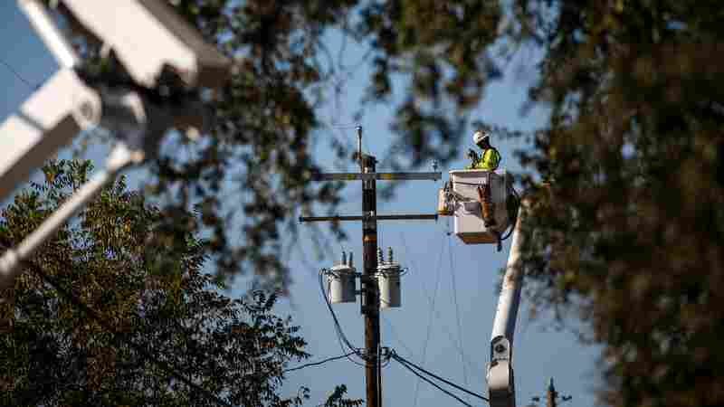 360,000 Customers Lose Power In California Amid Fire-Safety Shutoffs