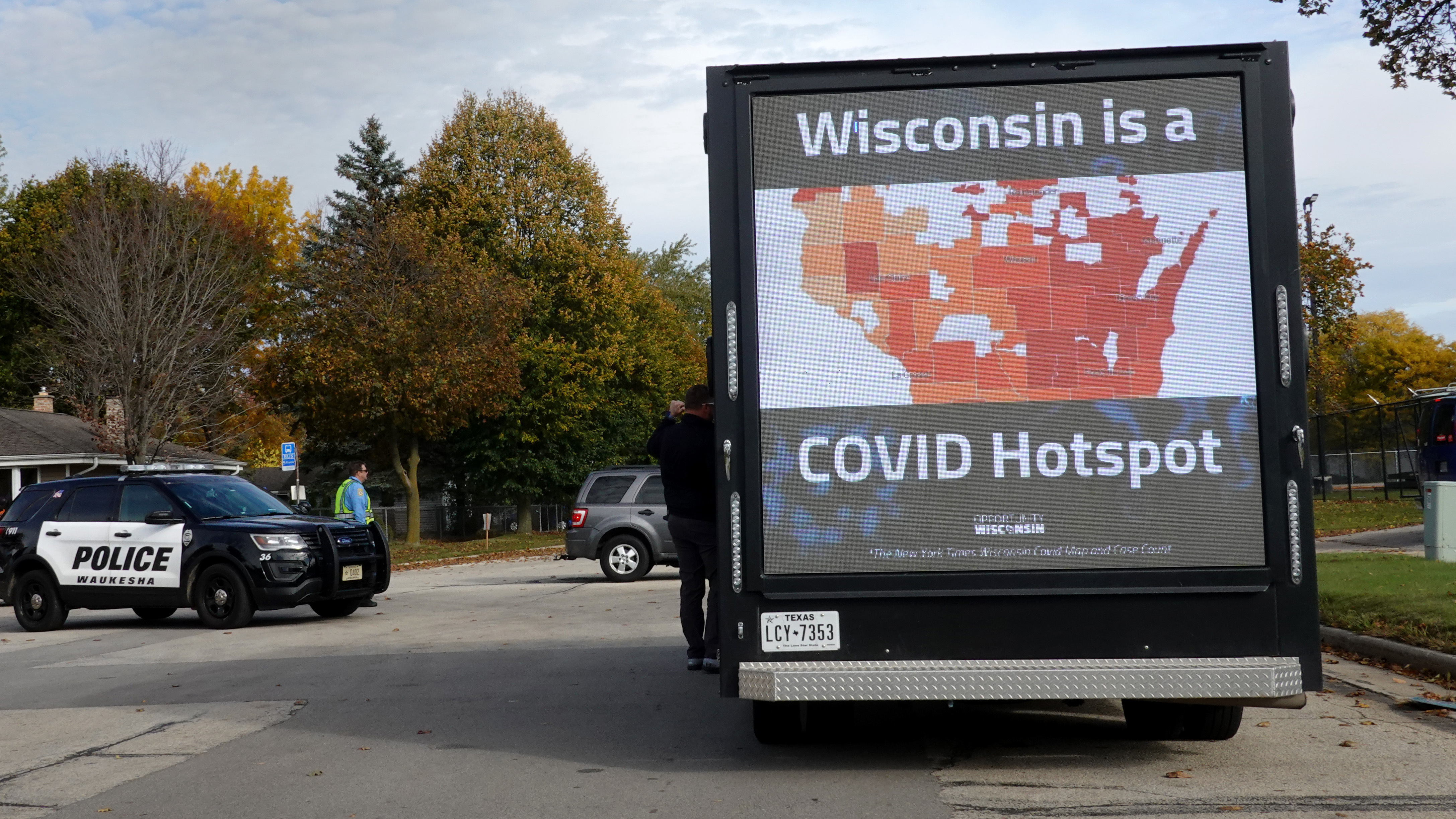 As Covid 19 Cases Surge In Wisconsin Health Workers Brace For More Npr