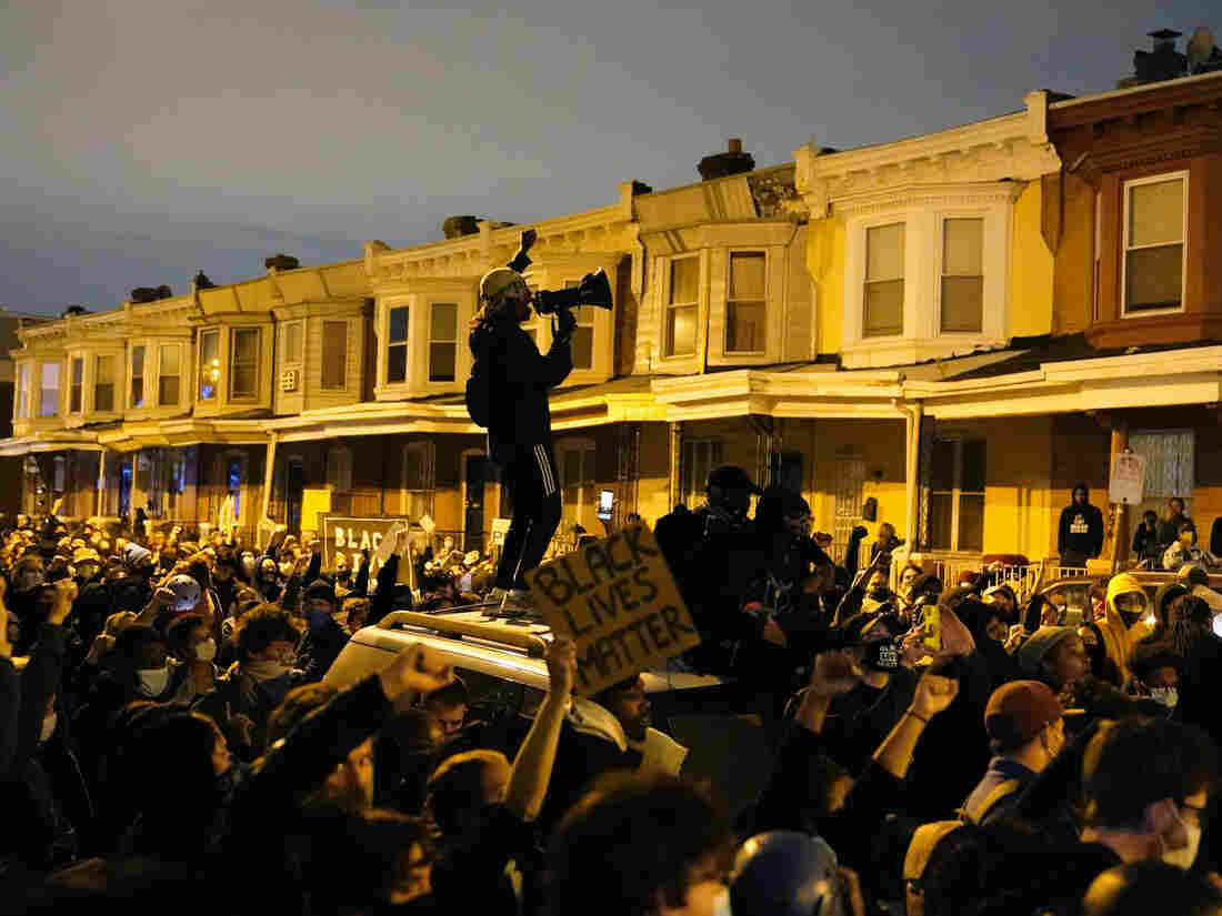 City issues curfew amid Walter Wallace Jr. protests