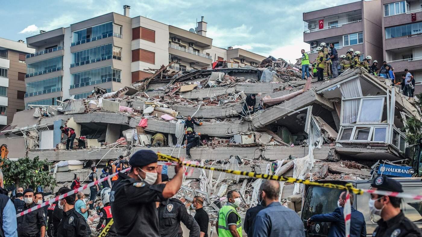Earthquake strikes Greece and Turkey