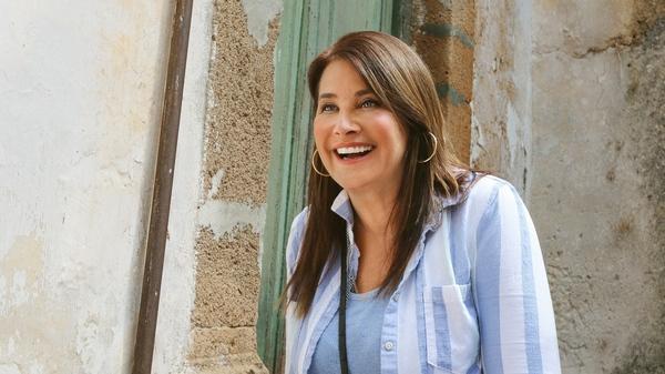 Lorraine Bracco purchased an abandoned home in Sambuca for a single euro. She chronicles her renovation efforts in My Big Italian Adventure on HGTV.