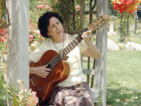 Argentinean singer-songwriter Suni Paz has been selected for the 2020 class of NEA Heritage Fellows.