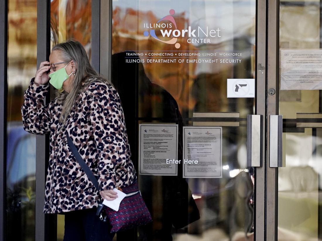 Novos casos diários de coronavírus nos EUA aumentam quase 20%, atingindo quase 122.000: Atualizações do coronavírus: NPR 2