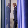 Trump quer lutar contra a eleição, mas 'está amanhecendo nele', diz o ex-conselheiro