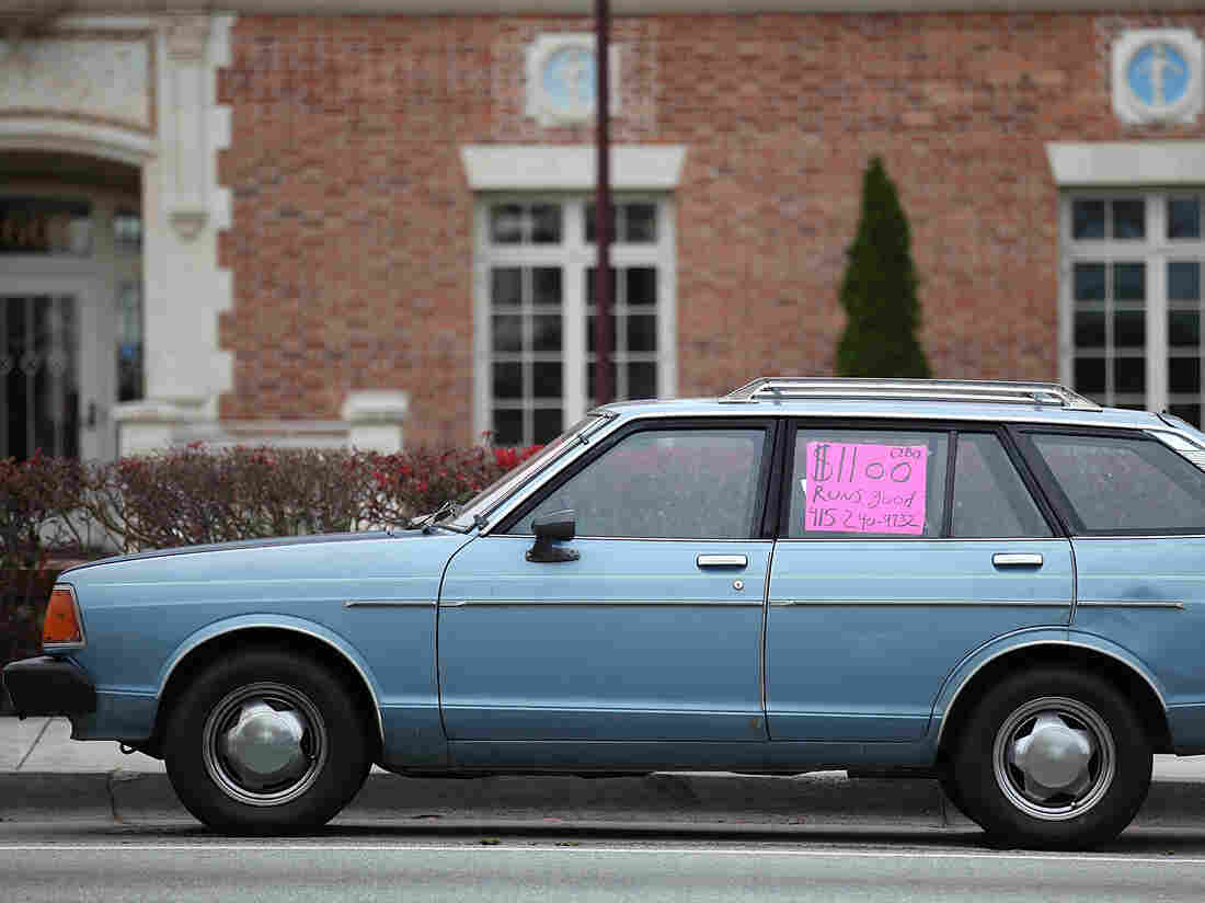 SAN FRANCISCO, CA - JUNE 09: A used car with a for sale sign (Photo by Justin Sullivan/Getty Images)