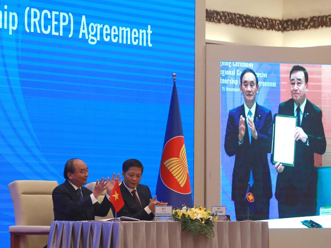 Verbündete im asiatisch-pazifischen Raum unterzeichnen ein riesiges Handelsabkommen mit China, während die USA es aussetzen: NPR