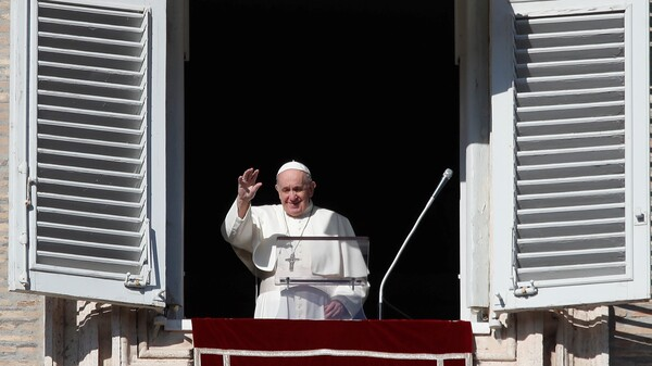 In A New Book, Pope Francis Speaks Out On The Coronavirus And Anti-Mask Protests
