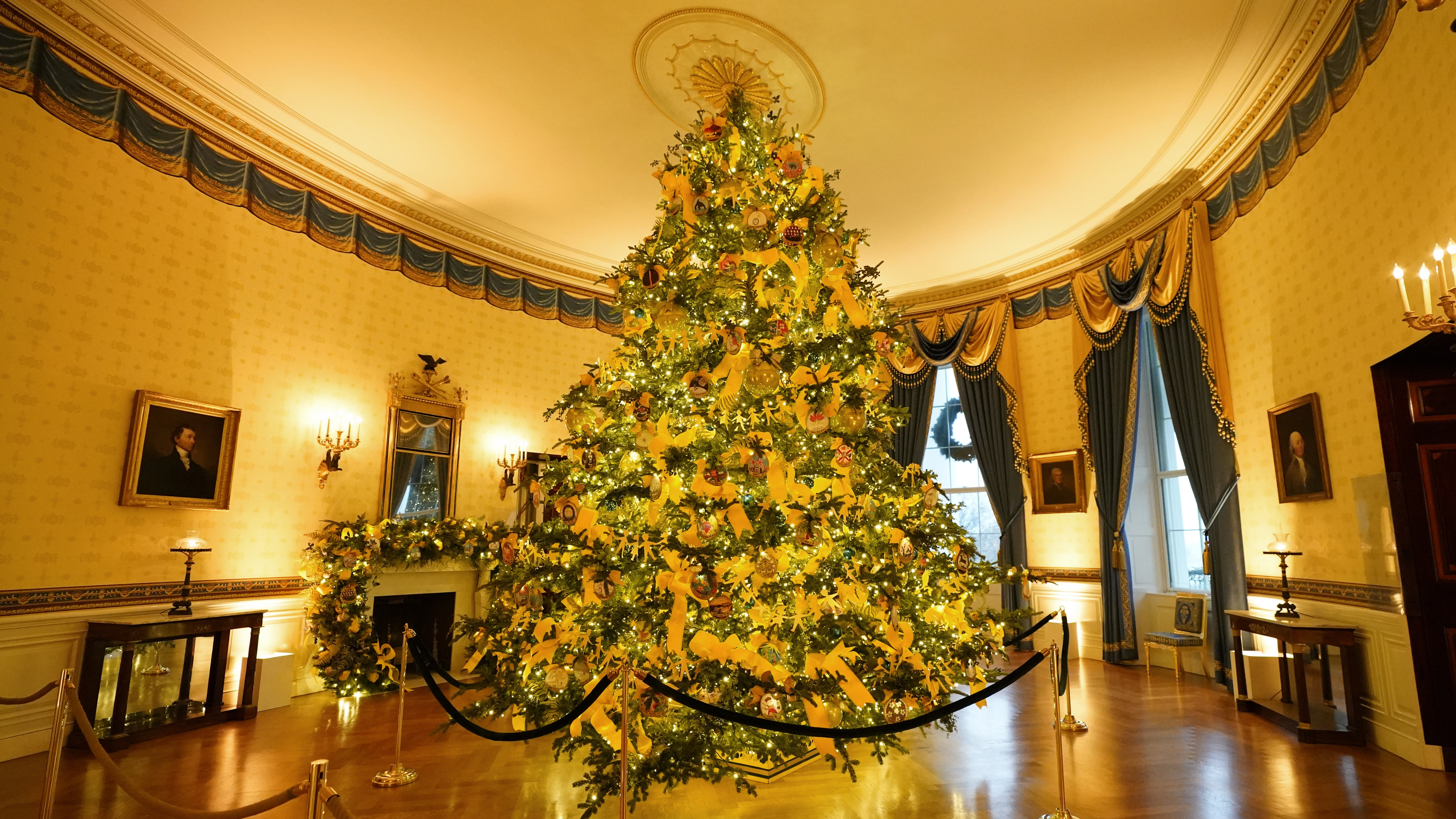 Melania Trump S 2020 Christmas Decorations Are Unconventionally Traditional Npr