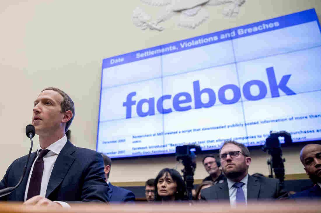 U.S. government, states file antitrust action against Facebook