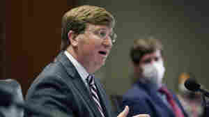 Health Officials Call On Mississippi Governor To Implement Statewide Mask Mandate