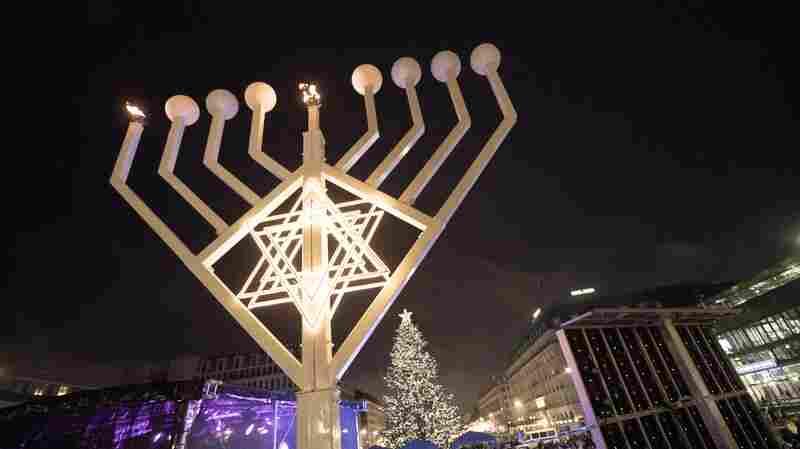 Hanukkah Lights: 2020