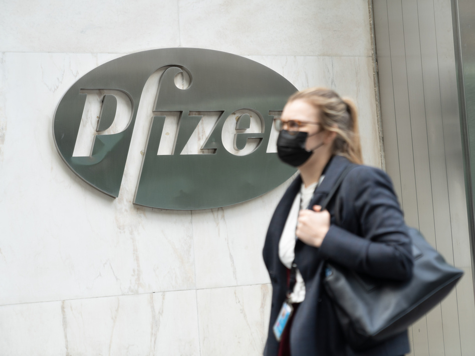 """The authorization under consideration for the Pfizer/BioNTech vaccine would be for """"individuals 16 years of age and older."""" (John Nacion/SOPA Images/LightRocket/Getty Images)"""