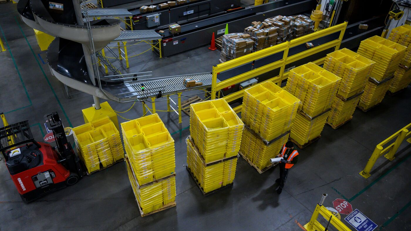 www.npr.org: Amazon Warehouse Workers To Decide Whether To Form Company's 1st U.S. Union