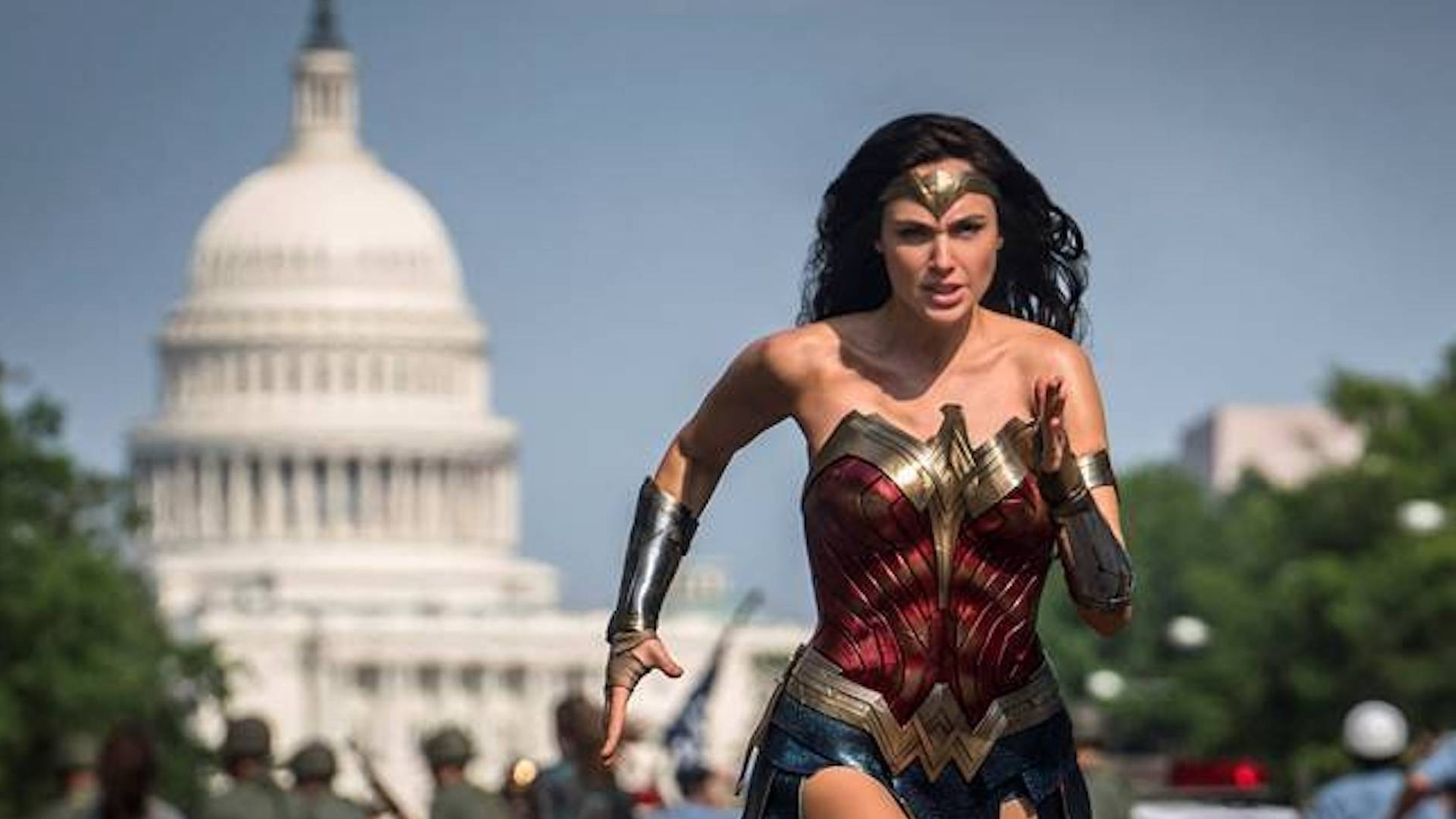 Review Wonder Woman 1984 Is Fun But Labored Npr