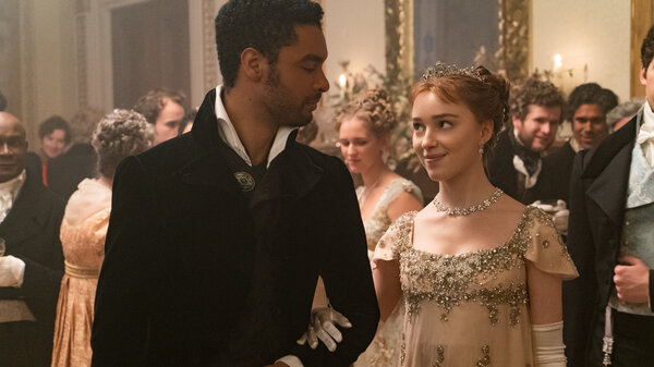 Regé-Jean Page and Phoebe Dynevor as the hot duke and Daphne in Netflix's Bridgerton.