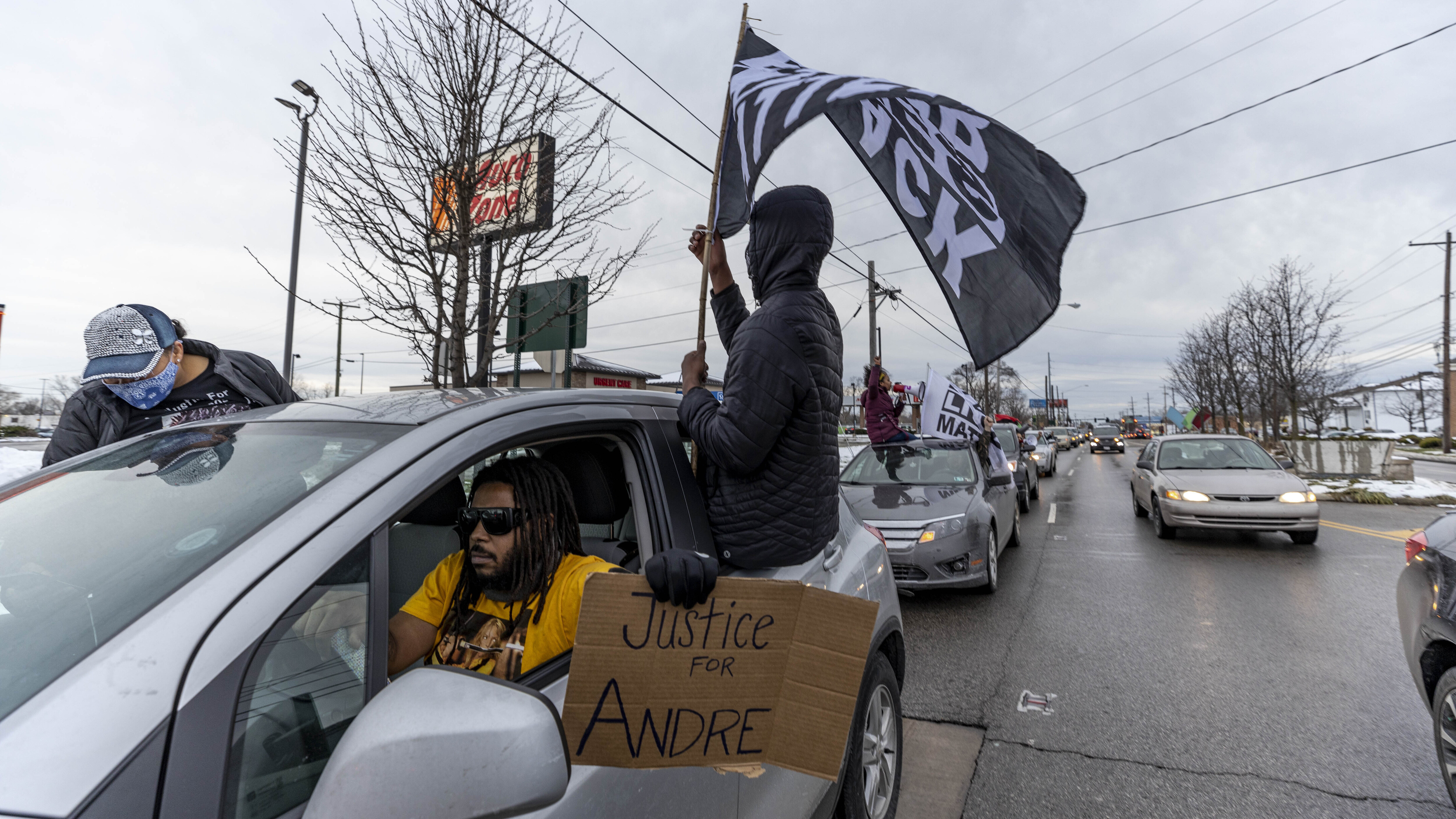 OH cop who shot unarmed Andre Hill is fired