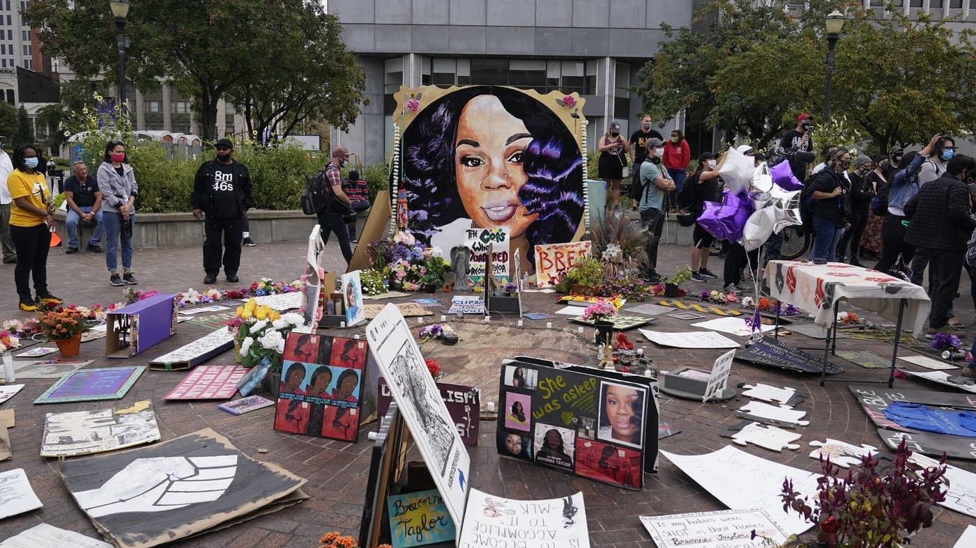 Louisville Police To Fire 2 More Officers Involved In Death Of Breonna Taylor – NPR