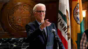 As 'Mr. Mayor,' Ted Danson Sustains His Stellar Sitcom Streak
