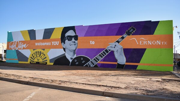 The new mural of Roy Orbison in Vernon, Texas.