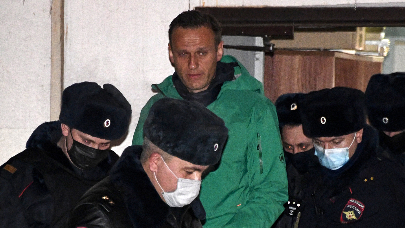After Arrest, Kremlin Critic Navalny Calls On Supporters To 'Take To The Streets'
