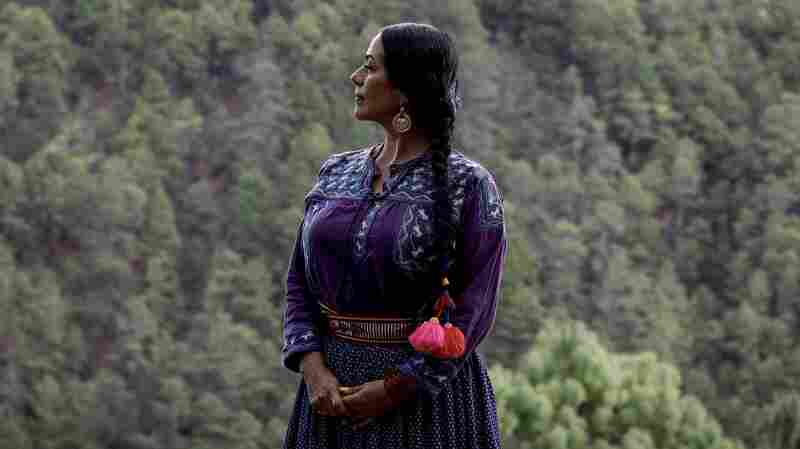 Lila Downs' New Song Is About Indigenous Workers' Invisible Labor